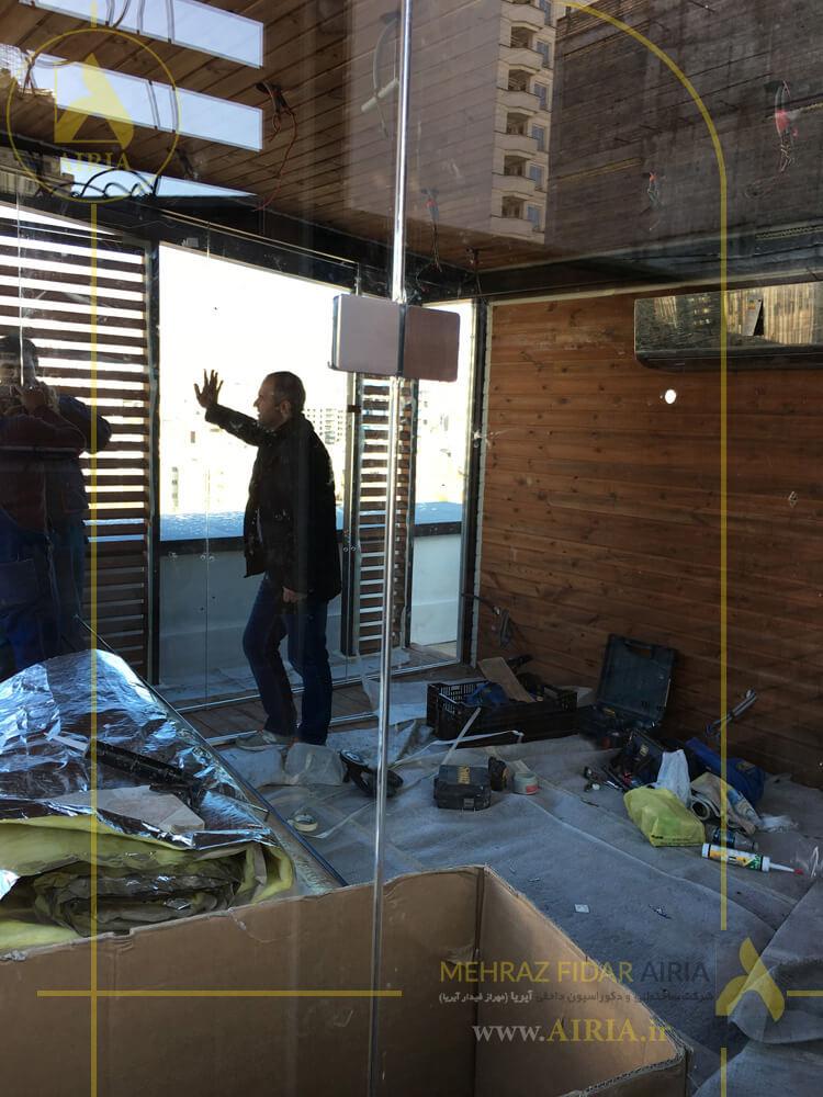 نصب شیشه آلاچیق شیشه ای در اجرای روف گاردن در تهران خیابان مریم شرق