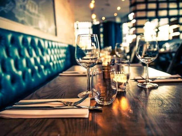 مبلمان در دکوراسیون رستوران خیلی اهمیت دارد