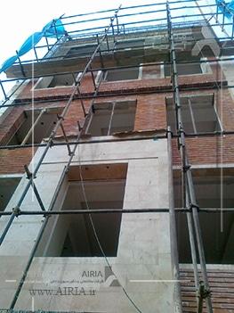 نمای ساختمان معمولاً در زمان بازسازی ساختمان، بازسازی می شود.