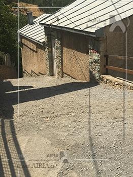 گذر و محوطه بیرون ویلا هم ممکن است نیاز به بازسازی داشته باشد