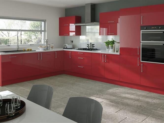 رنگ قرمز برای کابینت آشپزخانه